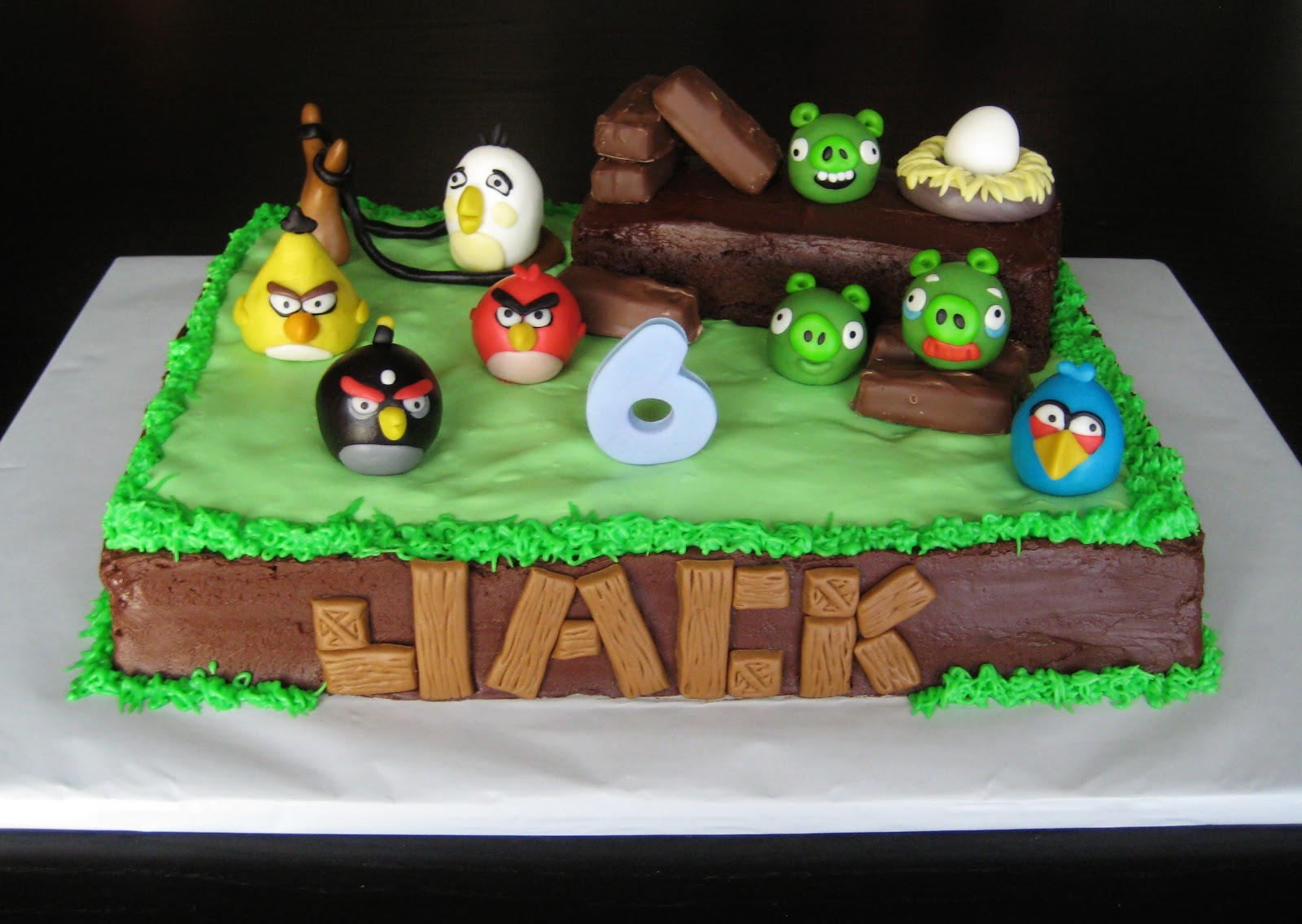 Images Of Angry Birds Cake : Custom Cakes by Julie: Angry Birds Cake 2