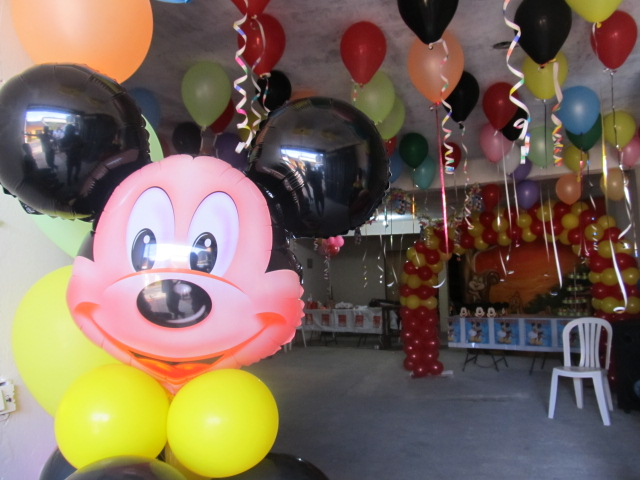 Decoracion mickey mouse fiestas infantiles y for Decoracion la casa de mickey mouse
