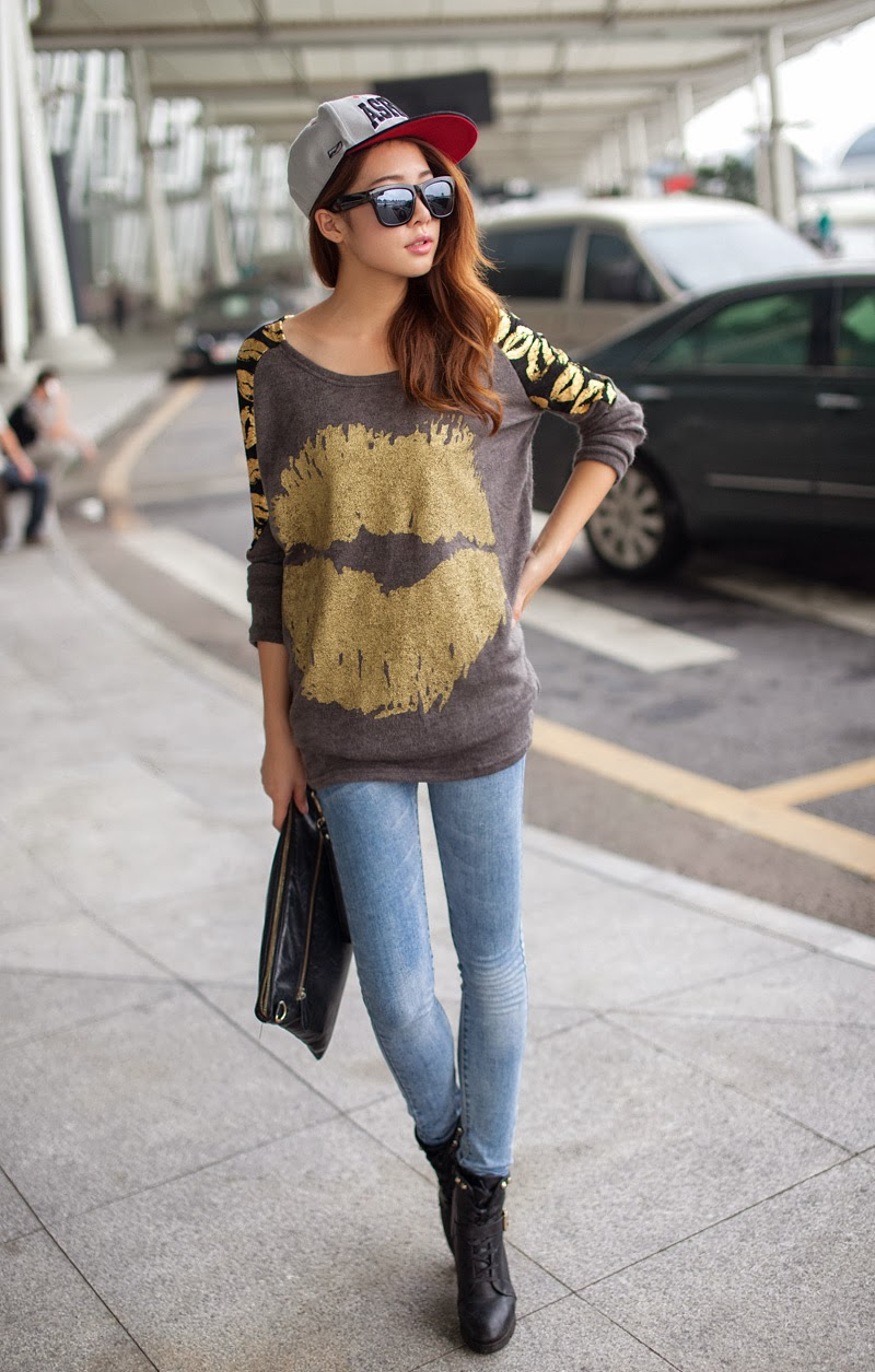 http://www.koees.com/koees-5442-Korean-yards-loose-lips-printed-T-shirt.html