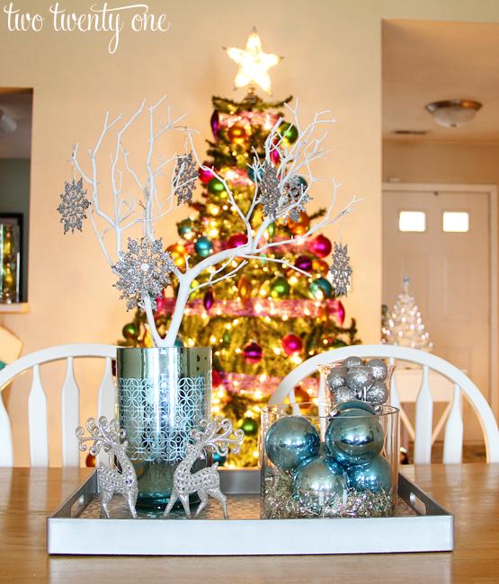 10 Ways to Save Money On Christmas Decor