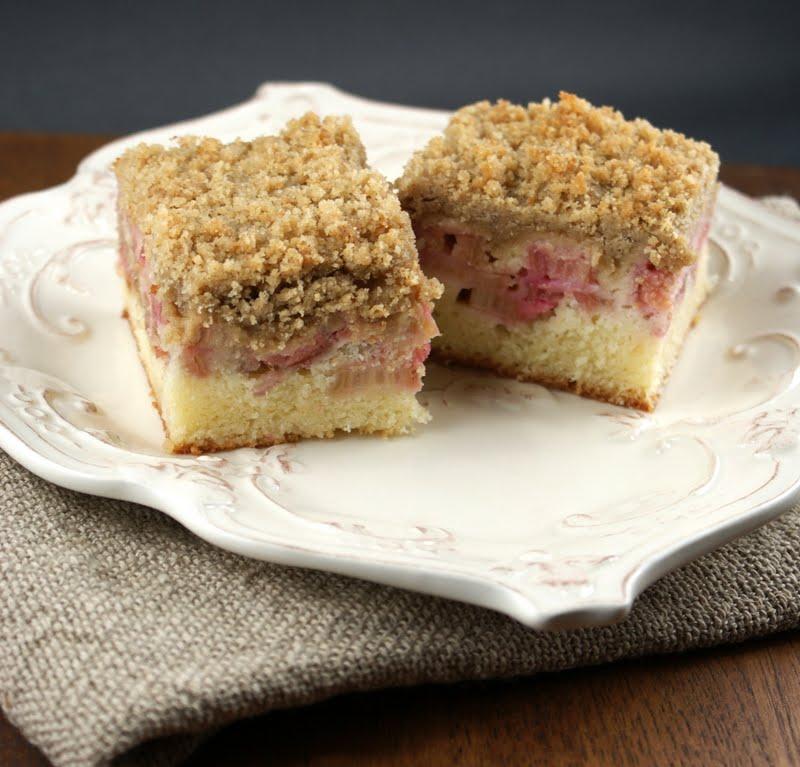Authentic Suburban Gourmet: Rhubarb Crumb Cake