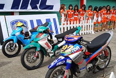 Gambar Motor Balap Road Race