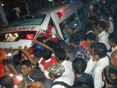 >one dies in Rangoon building collapse