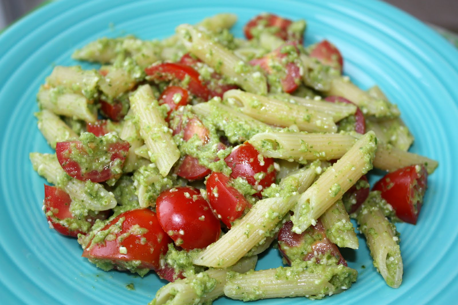 The Biggest Li'l Blog: Garlic Scape and Basil Pesto Penne