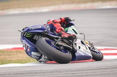 Lorenzo Katakan Rossi Licik Karena menuduh Marquez Membantunya