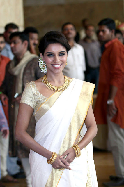 Asin in Onam Traditional Saree at Mumbai