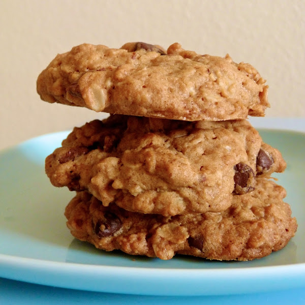 BFF Oatmeal Chocolate Chip Cookies