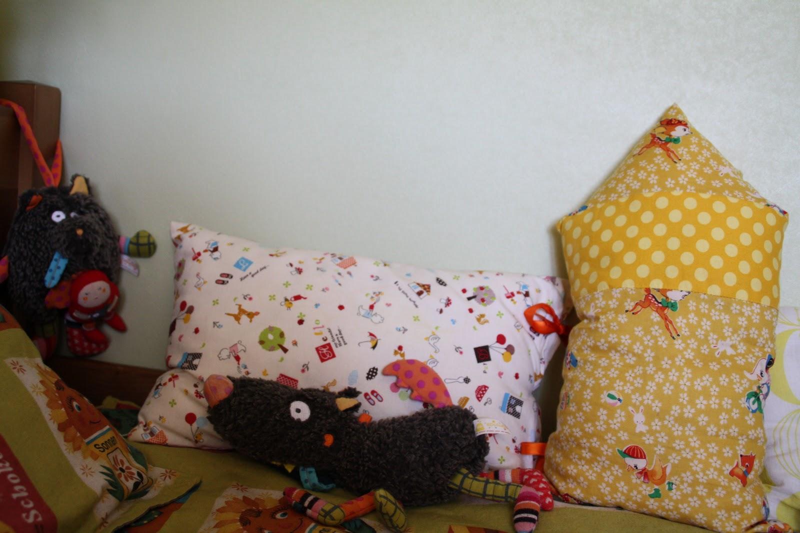 un lit de petit gar on. Black Bedroom Furniture Sets. Home Design Ideas