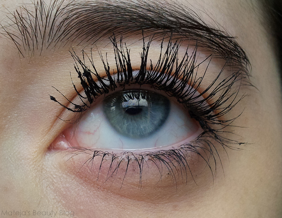 a2ac3425d89 I think that if you don't have such stubborn lashes as me, but still need  something that would hold curl a bit better than most regular mascaras, ...