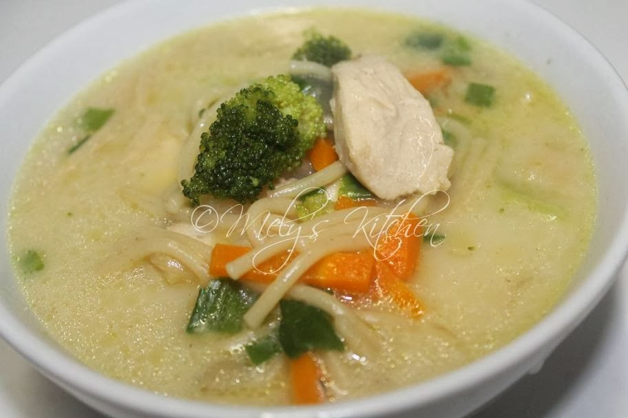 Mely's kitchen: Chicken Spaghetti Soup