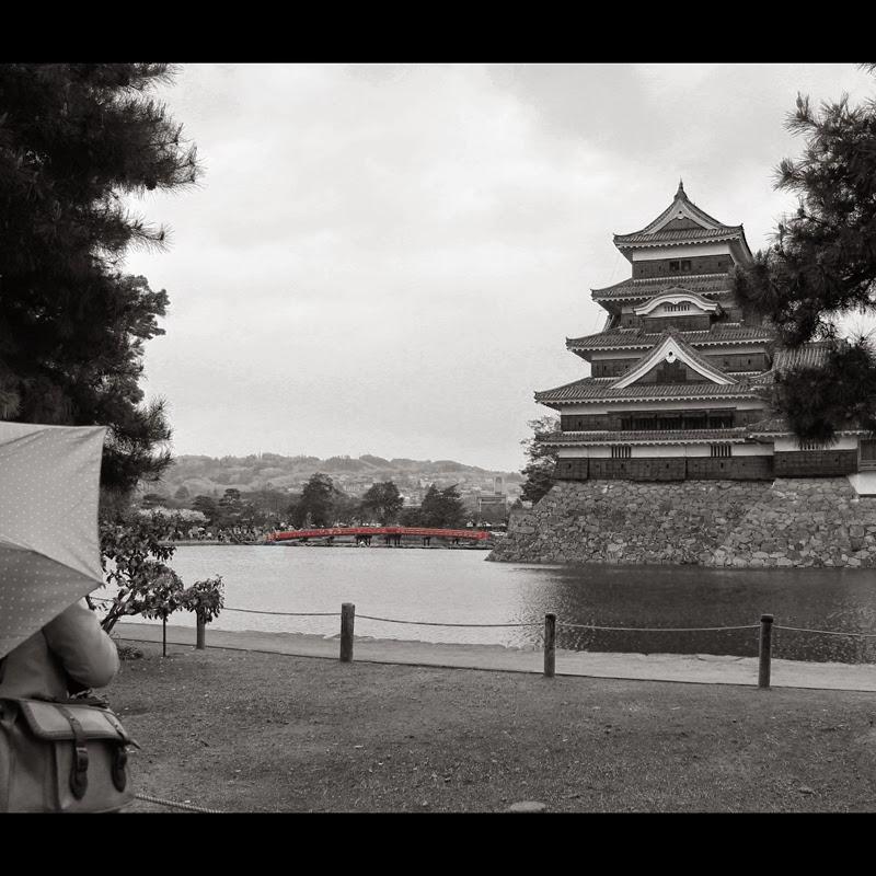 Castillo de Matsumoto con puente