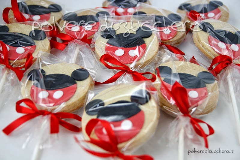 biscotti decorati di topolino con stecco e ricetta frolla biscotti