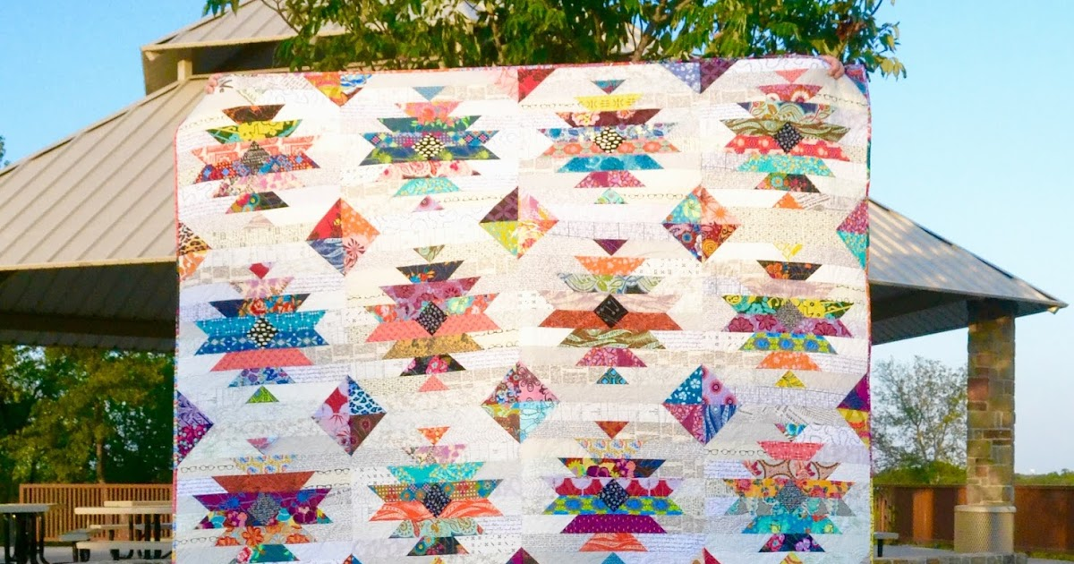 New Quilt Patterns For 2015 : Lori Hartman Designs: New Pattern: Razor s Edge Quilt - Bloggers Quilt Festival