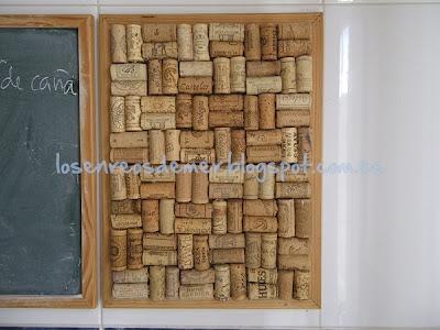 Tablón de corcho realizado con corchos