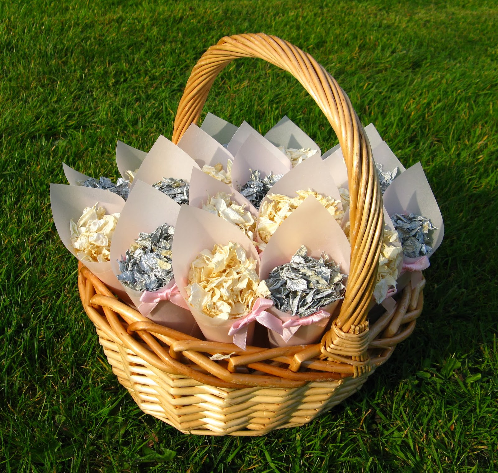 Wedding Baskets For Flower Petals : The confetti winter weddings real flower petal