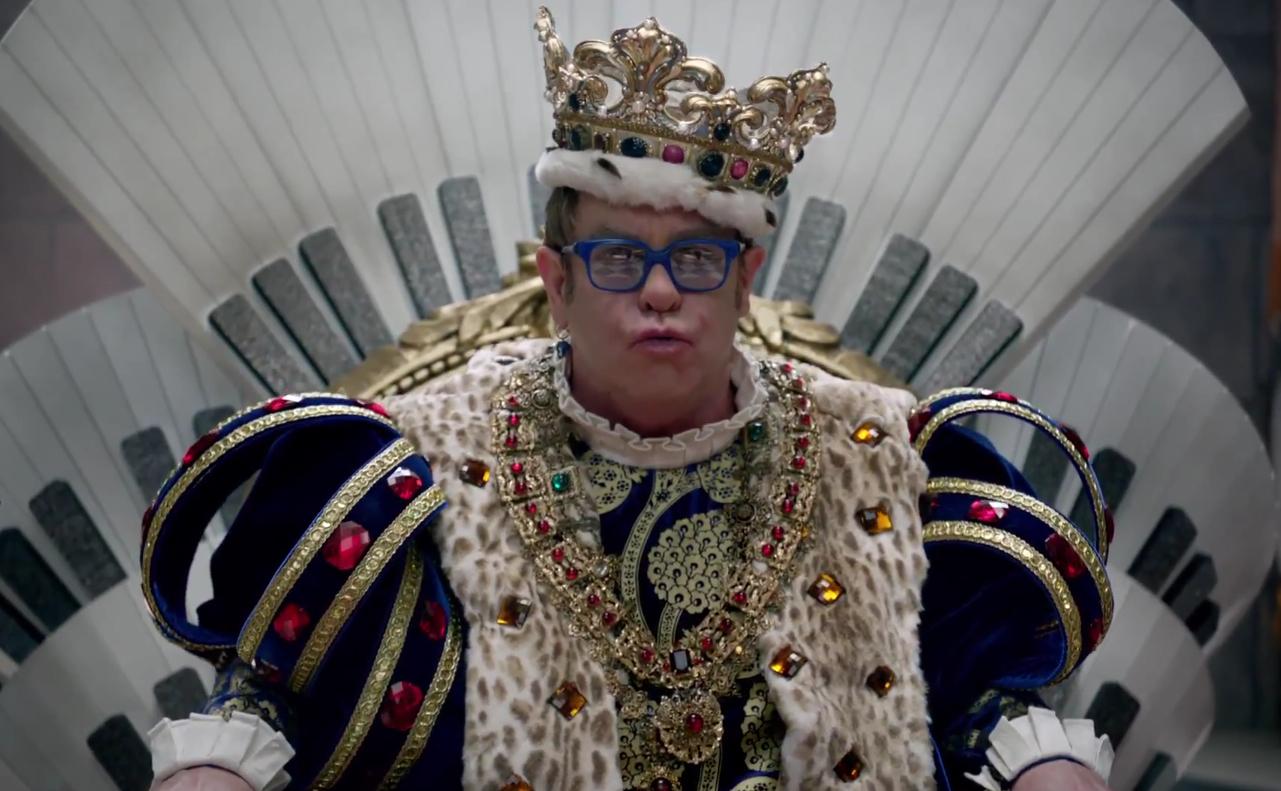 http://3.bp.blogspot.com/-mzw5brQB2ug/T0aeVwQi2fI/AAAAAAAAAJ0/grxfPF-ijPU/s1600/Elton+John.jpg