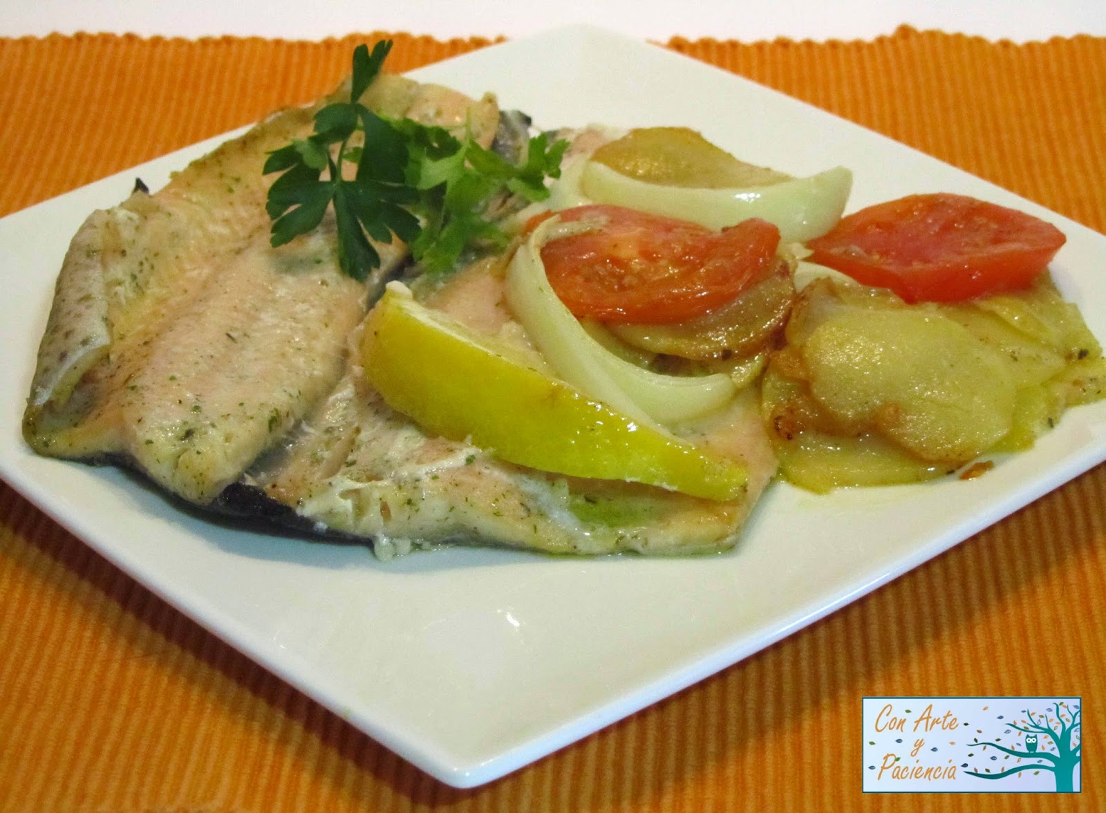 trucha,horno,tomate,cebolla,ajo,receta,mediterranea,economica,limon,patatas,baratas