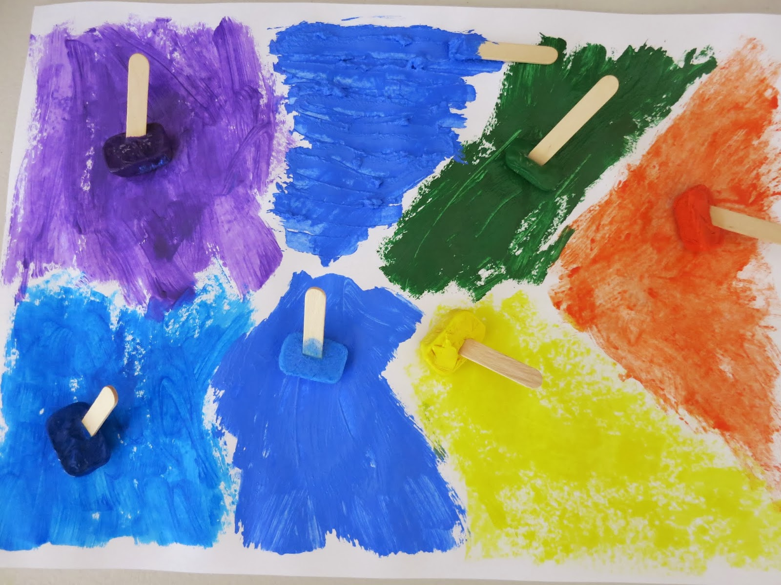 http://www.learnwithplayathome.com/2014/01/paintsicles-frozen-paint-cubes-for.html