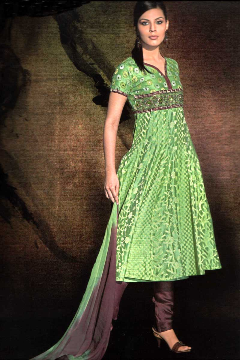Pakistani Salwar Kameez Latest Designs