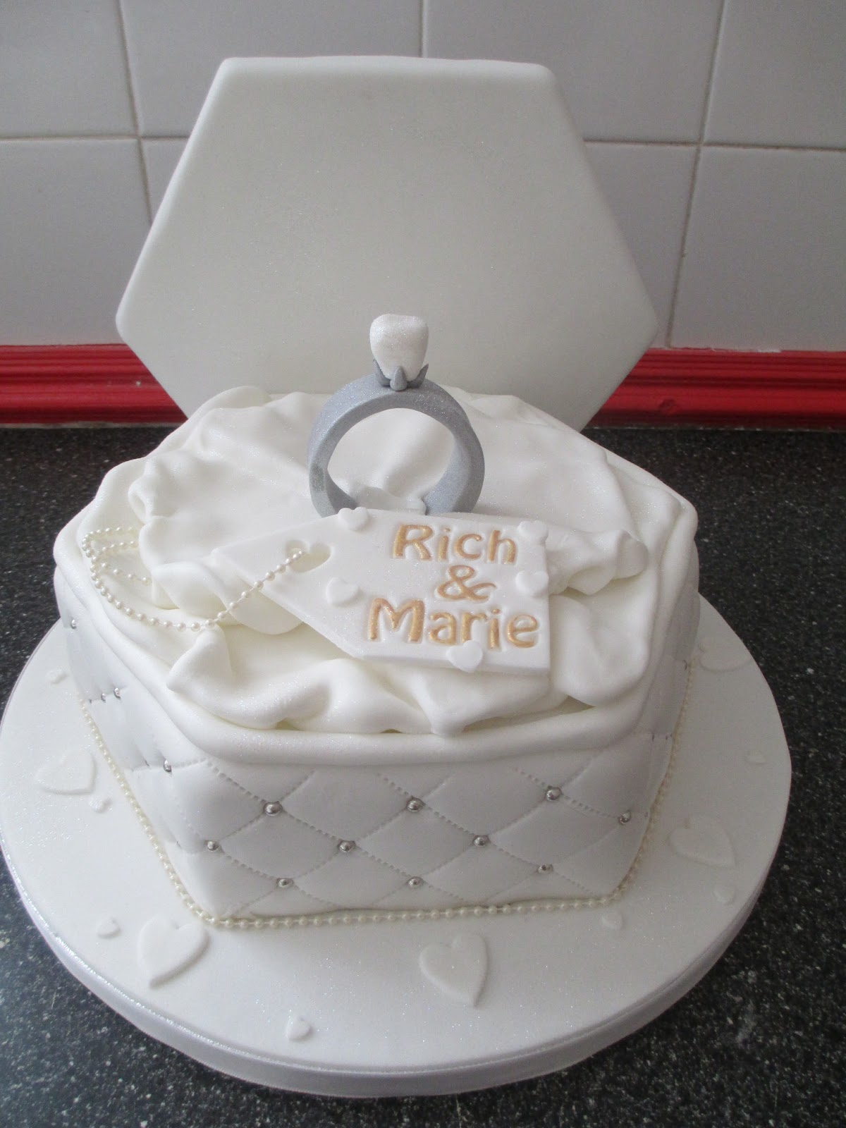 Engagement Ring Box Cakes submited images