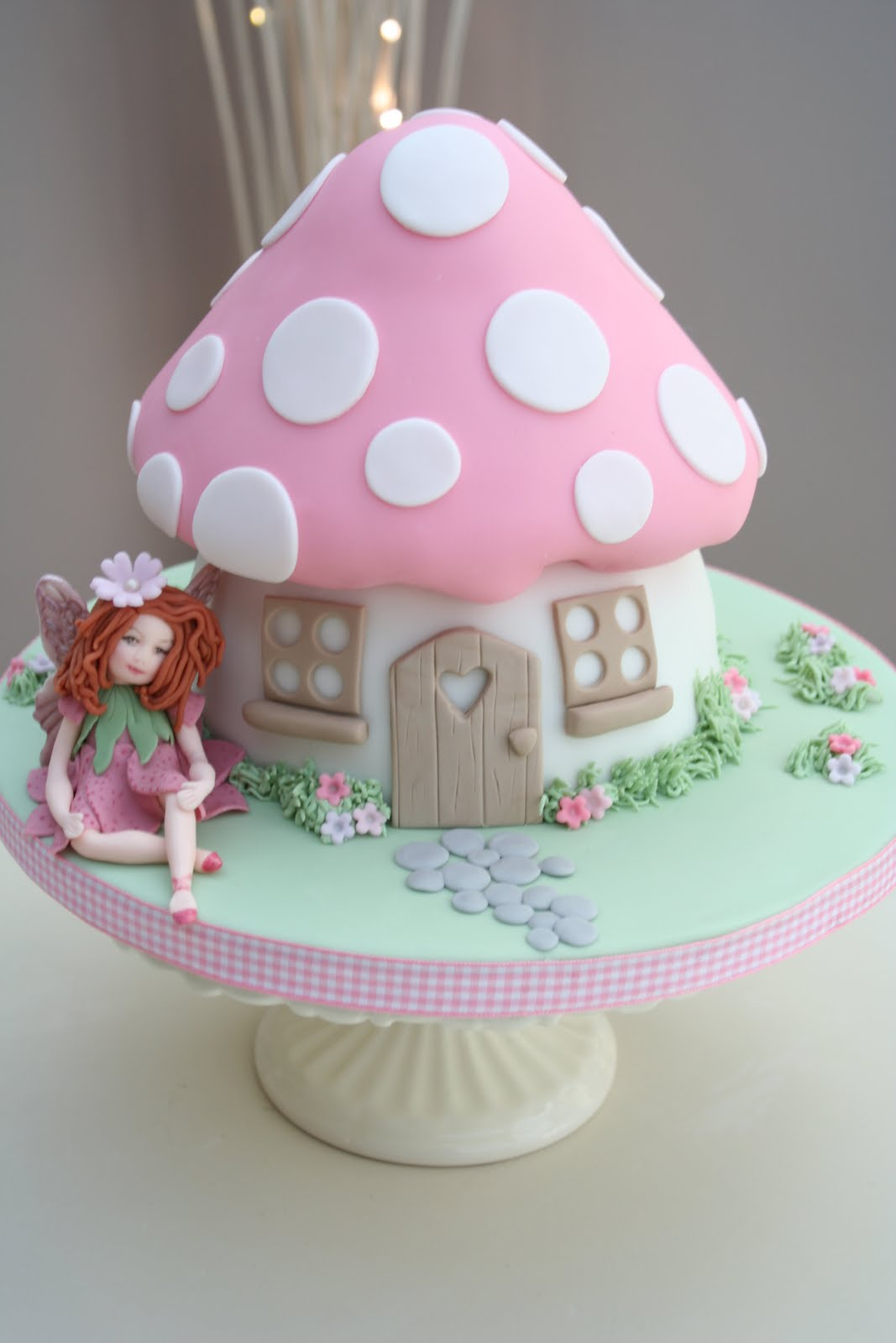 Katies cupcakes fairy toadstool cake for Fairy cakes