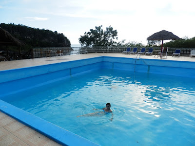 piscina-agua-salada-en-el-campismo-villa-guajimico-en-cuba