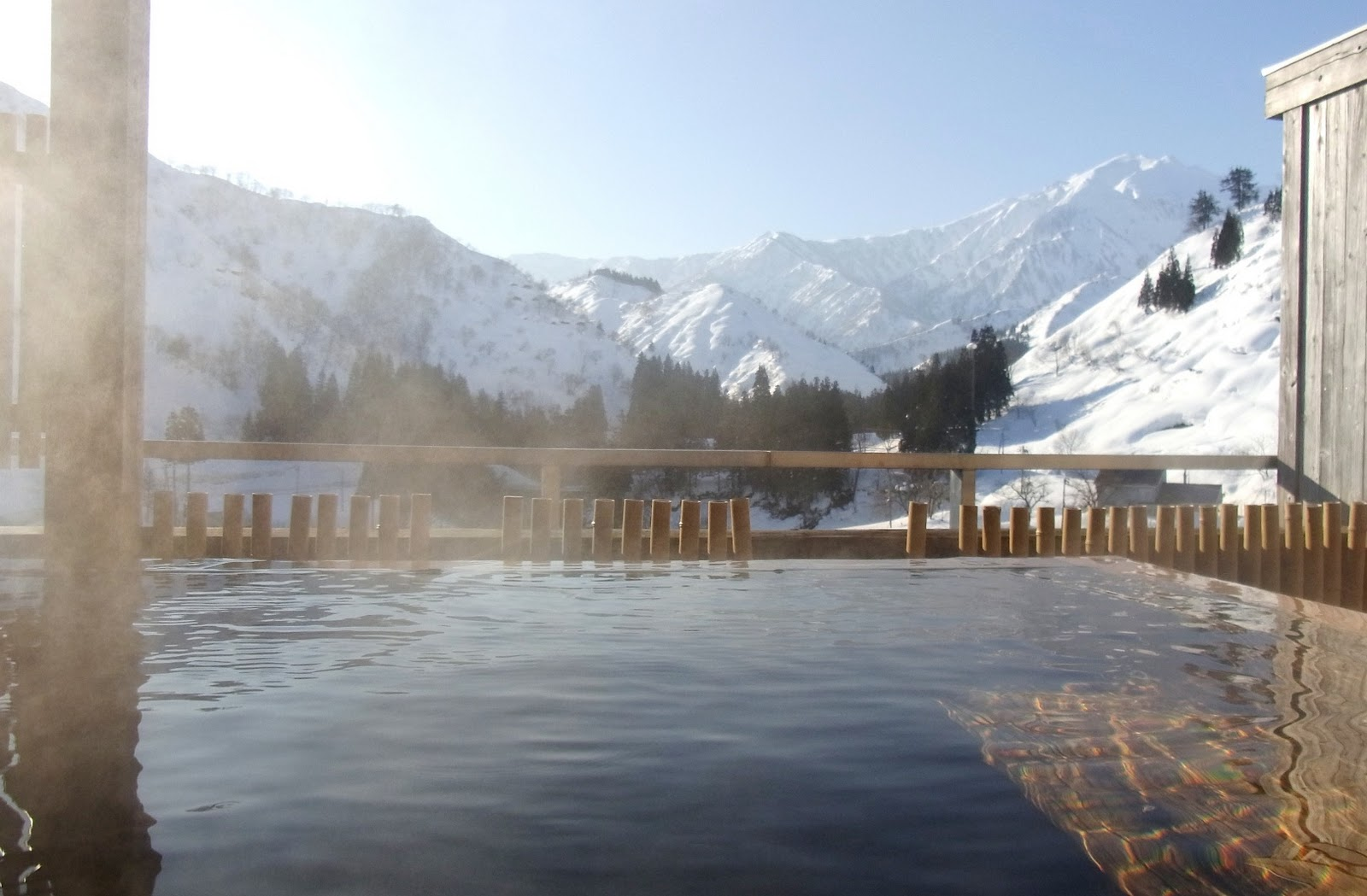 Jovialidade Do TAKA: 大湯温泉の屋上露天風呂に浸か...  大湯温泉の屋上露