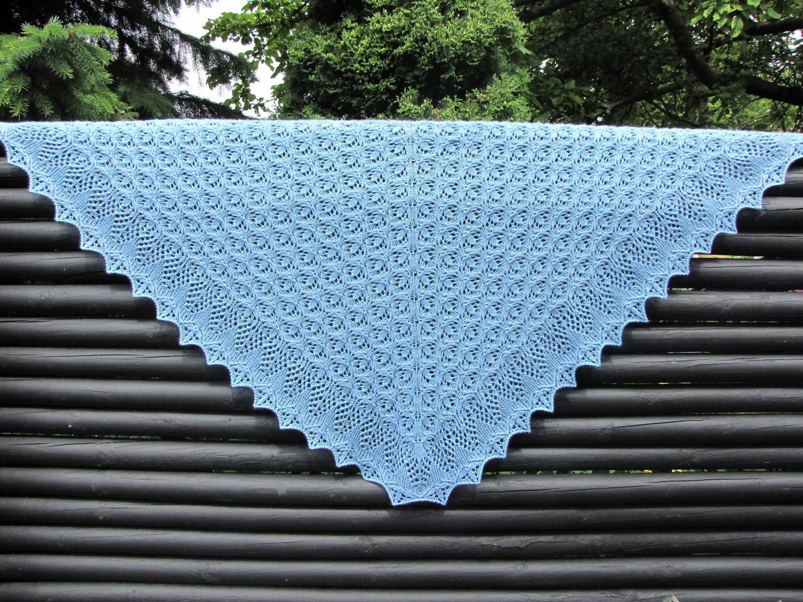 Echo Flower Shawl og Shawlette