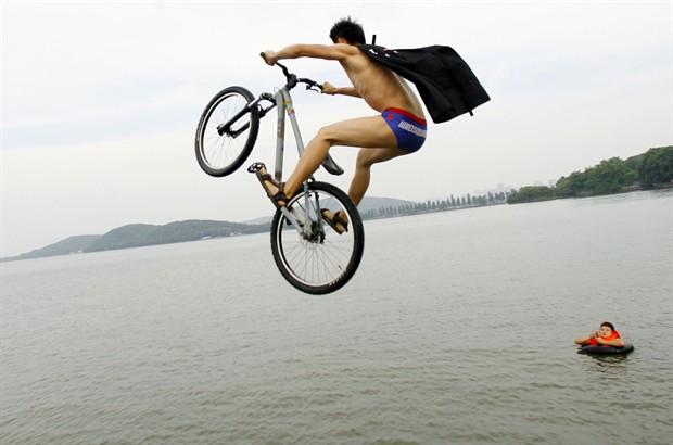 Area bici ottobre 2012 - 13 a tavola superstizione ...