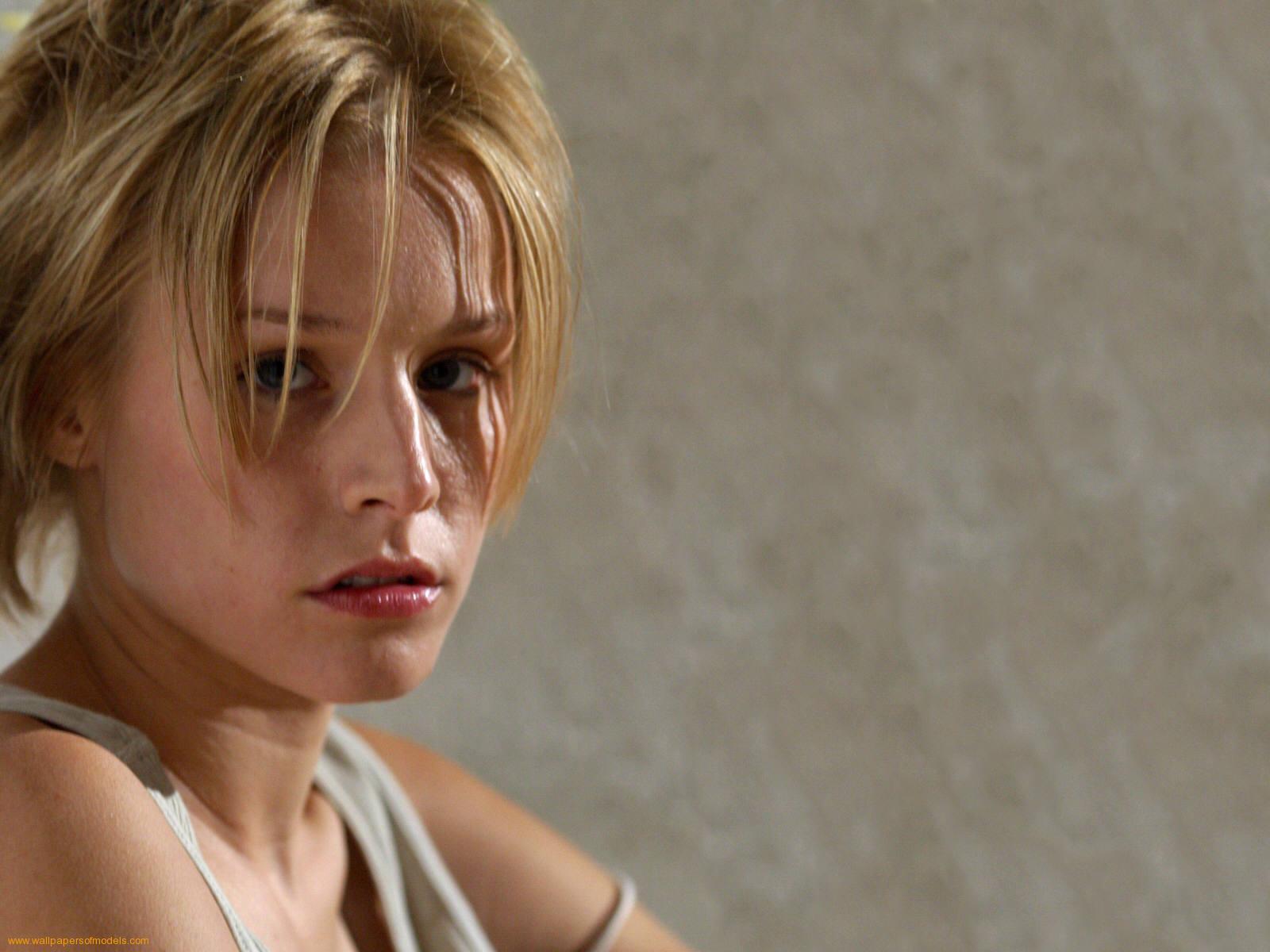 http://3.bp.blogspot.com/-n07mm0R6Nrk/TfEPhlRmqaI/AAAAAAAABUc/5_zx_JHnjLA/s1600/Kristen-Bell-hot-wallpaper.jpeg