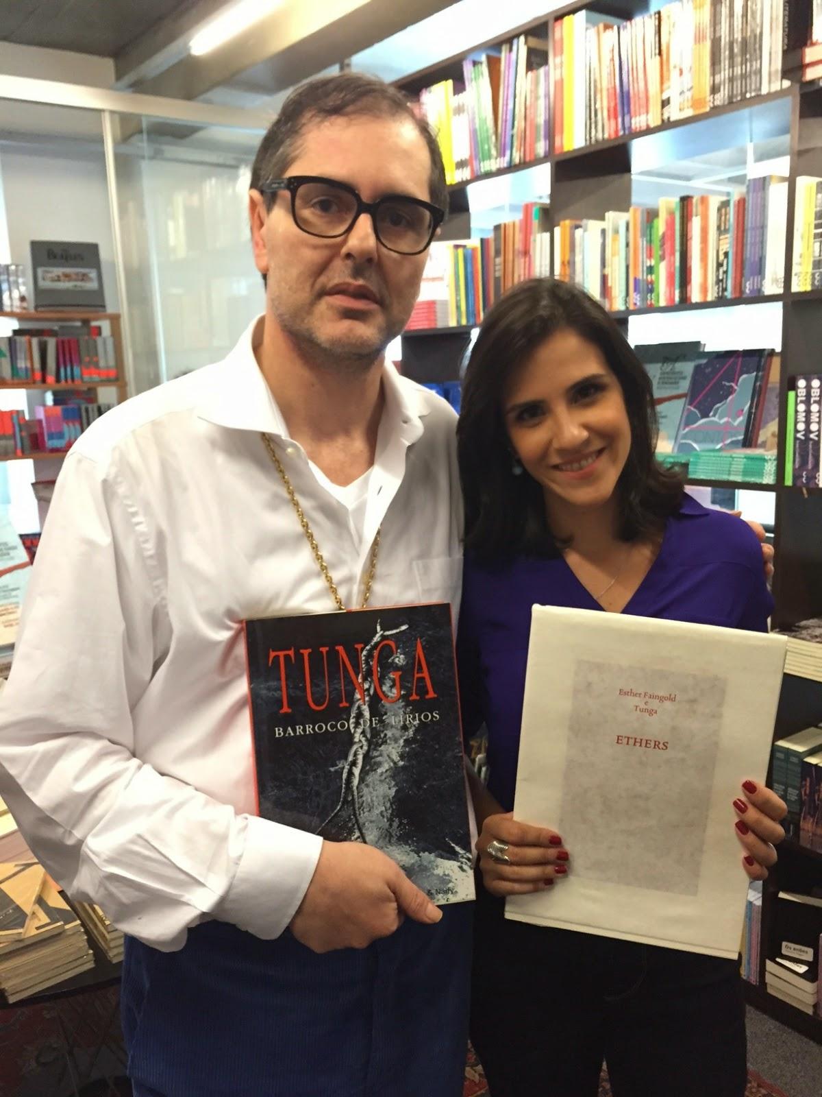 A repórter Maíra Donnici entrevista Charles Cosac, um dos fundadores da editora Cosac & Naify Crédito: Globo / Divulgação