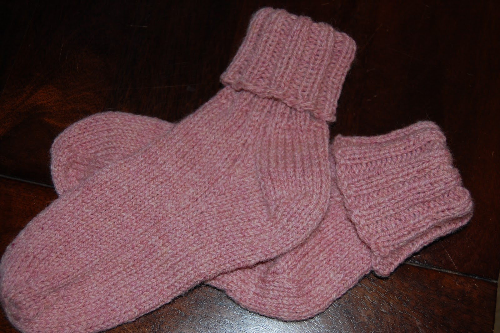 Loose Ends: Knitted Ancestors: Plain, Simple & Easy = Comfy Socks
