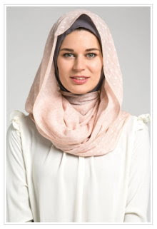 Foto Hijab Modern Untuk Kuliah Terpopuler 2015