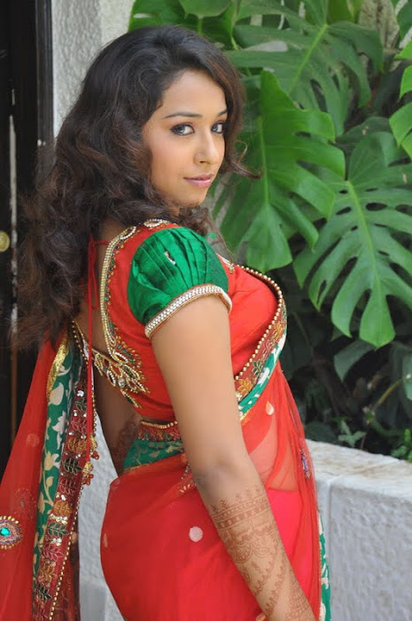model zeba saree hot images
