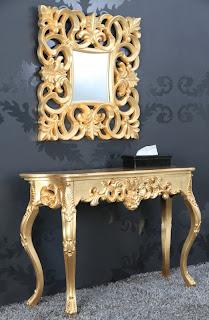 Luxusná dizanová konzola v zlatej farbe. Toaletný stolík Venice Gold