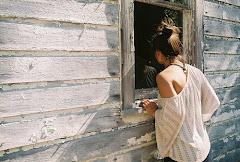 Es difícil ignorar a alguien que alguna vez significó mucho para ti.