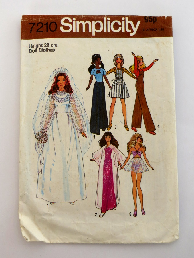 Vintage sewing patterns for toys and doll\'s clothes. ⋆ Lazy Daisy Jones