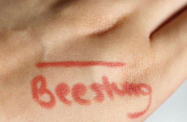 Topshop lip liner in beestung review swatch