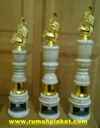 Piala Marmer Lomba Surabaya, Desain trophy Marmer Surabaya, Toko Tempat Pembuatan Trophy Marmer Surabaya, 0812.3365.6355, www.rumahplakat.com