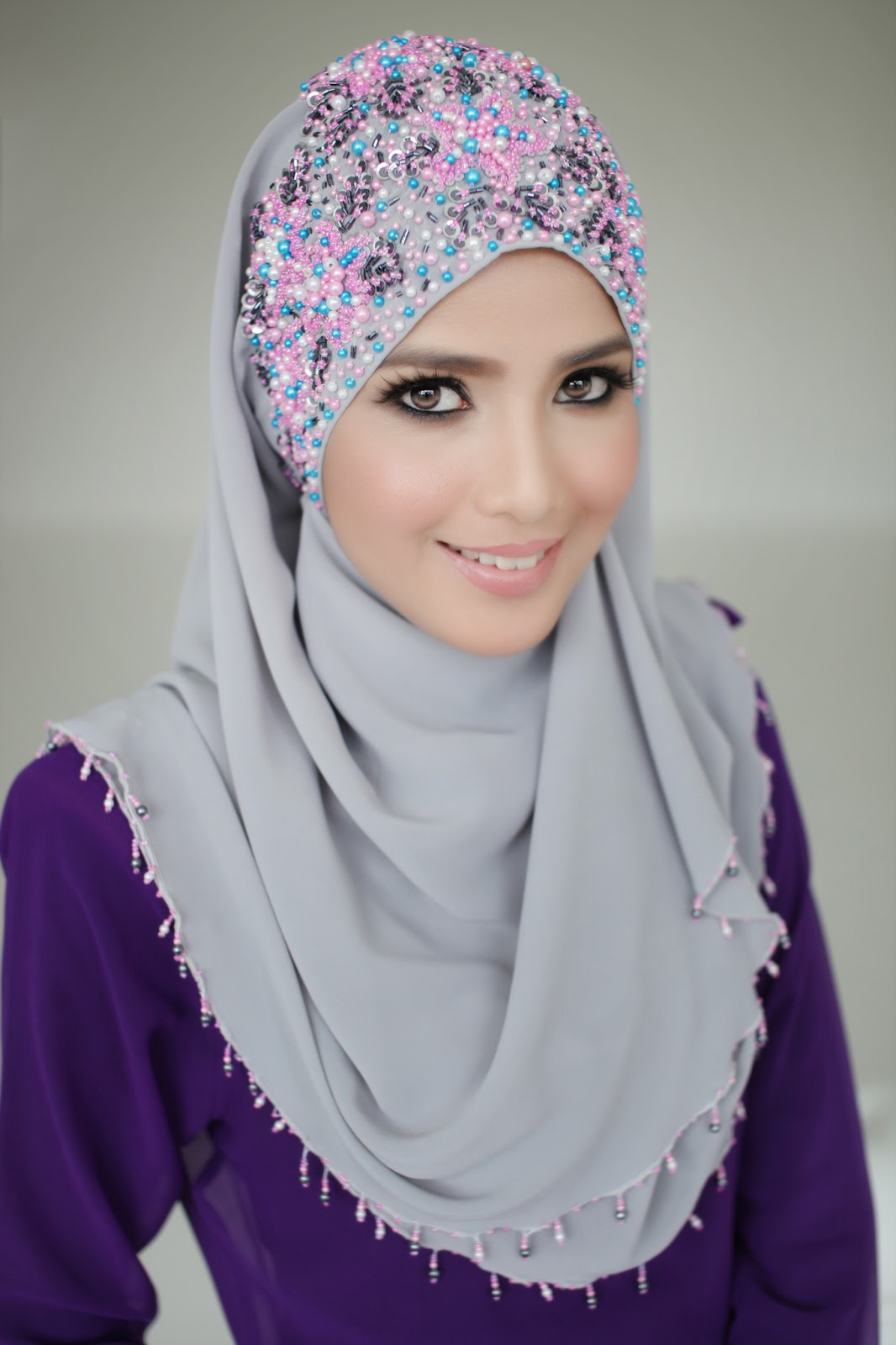 today monday 10 dec 2012 2 pm shawl shasmeen uyyun halfmoon design
