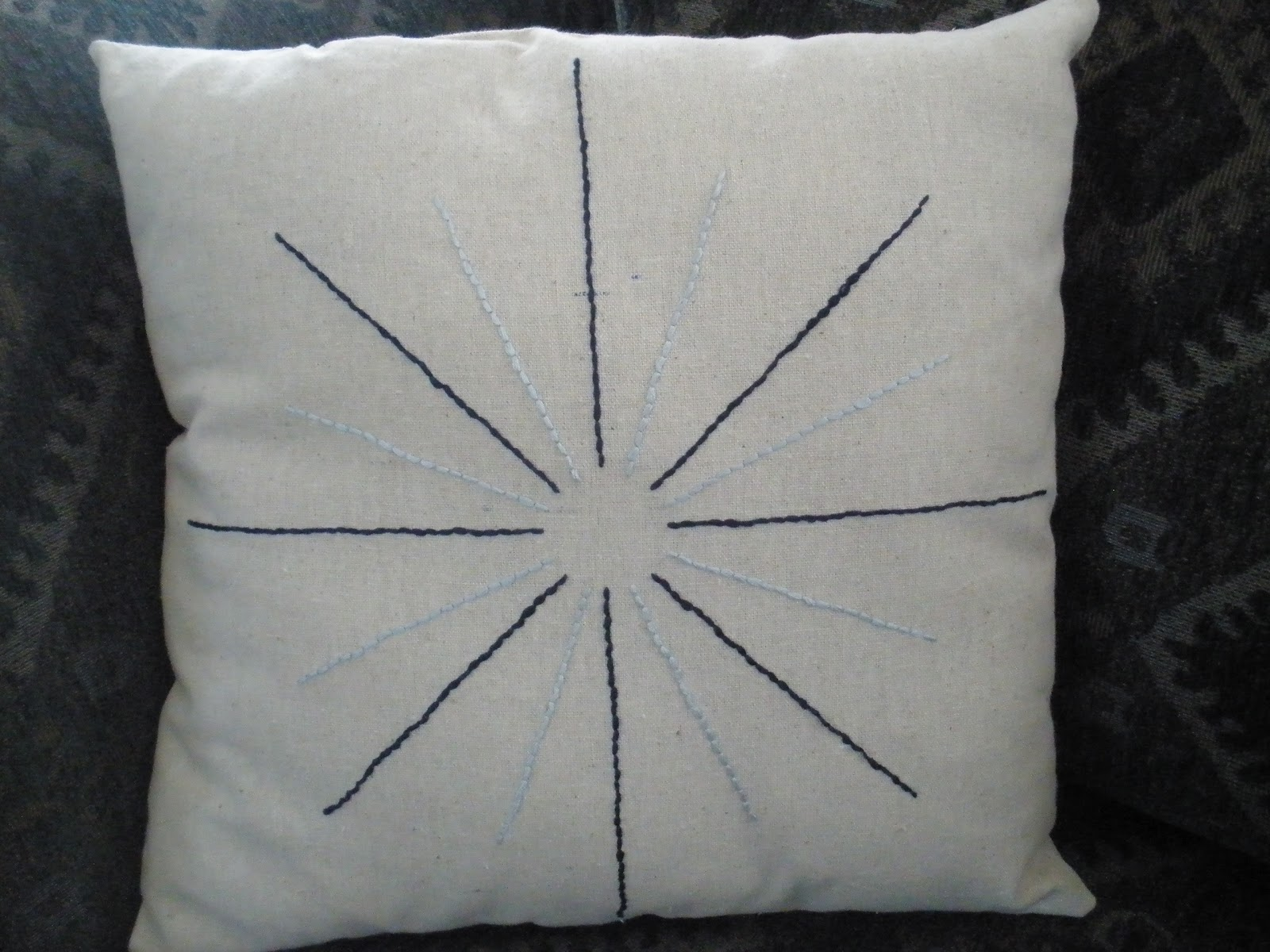 Crafting My Happy Life: Embroidered Pillow