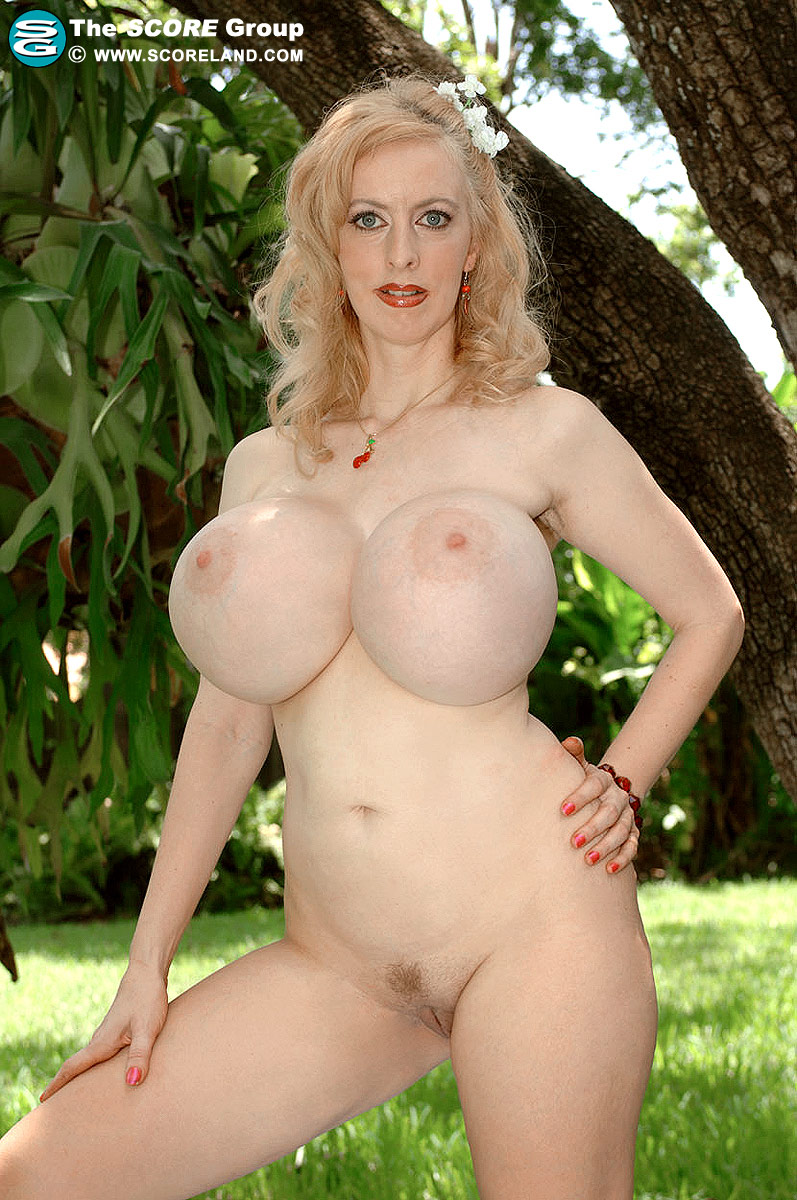 Aussi alena snow likes being