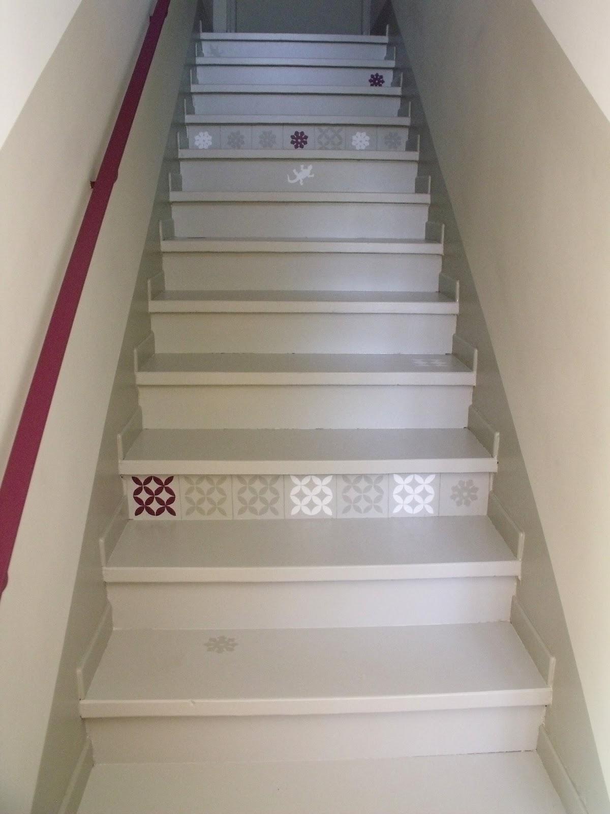 Peinture murale l 39 empreinte des patineuses for Peinture sol escalier