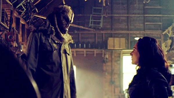 Helix 2x01. Julia secuestrada por Caleb.
