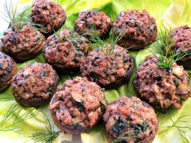 http://www.caietulcuretete.com/2013/02/ciuperci-umplute-cu-carne-tocata.html