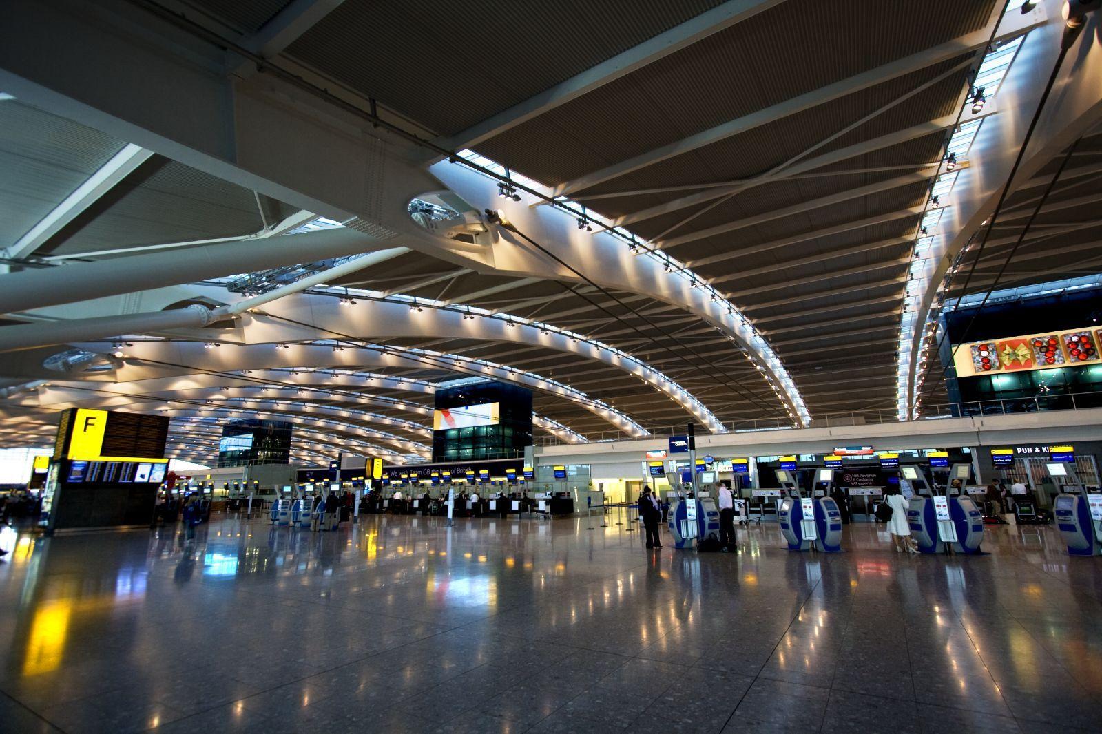 Fabuloso HEATHROW INTERNATIONAL AIRPORT - LONDRES | São Paulo International  OL96