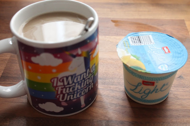 Slimming world snack cup of coffee and lemon light 0% fat yoghurt 0.5 syns