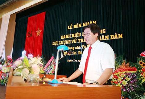 Đồng chí Lê Đức Dân, Huyện ủy viên, Bí thư Đảng ủy xã Nghĩa Trụ, huyện Văn Giang, Hưng Yên phát biểu tại buổi Lễ.