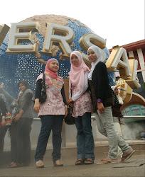 Singapore!!