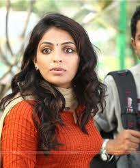 Mythili-hot-malayalam-Actress-3
